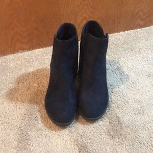 Navy blue sued ankle boots